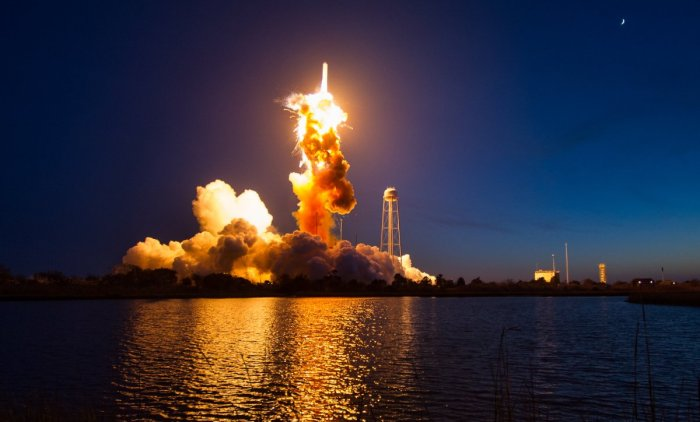 nasa-released-close-up-photos-of-last-years-massive-antares-rocket-explosion-which-destroyed-the-rocket-the-cygnus-spacecraft-and-the-5000-pounds-of-cargo-inside